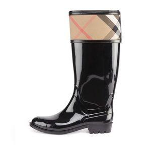 Burberry Crosshill Check-Trim Rain Boot, Black